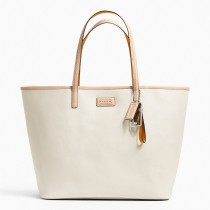 Coach Park Metro Leather Tote F24341 - White (Delivery: 2 - 4 working days)